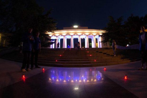 """""""Свеча памяти"""" в Севастополе - в 3 часа 13 минут у Мемориала героической обороны города"""