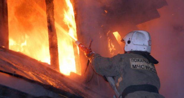 Ночной пожар в крымском селе Пятихатка
