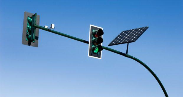 В Феодосии установят 14 пар светофоров с солнечным модулем