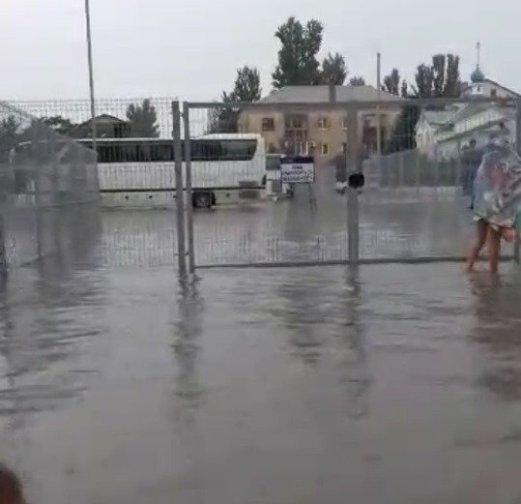 На востоке и на западе Крыма сегодня было дождливо