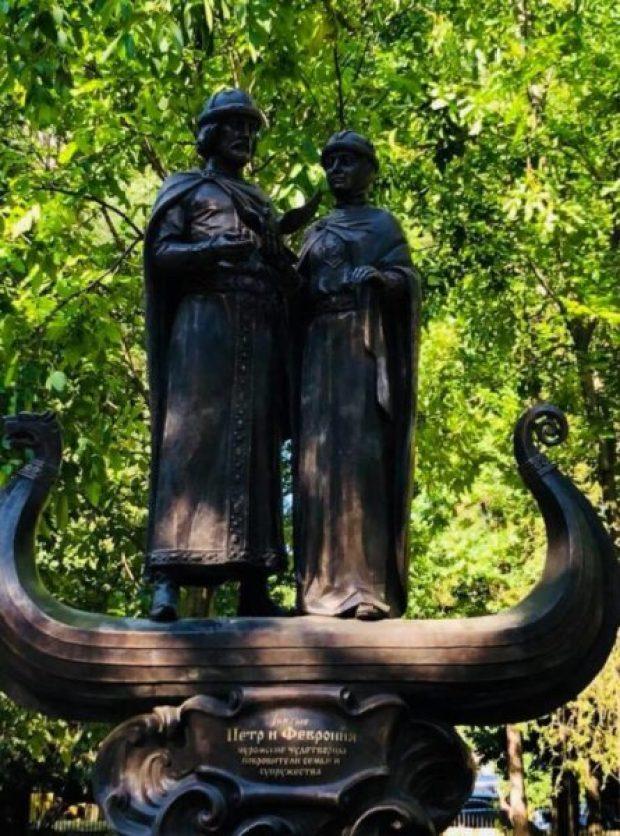 8 июля в Симферополе откроют памятник святых Петра и Февронии Муромских