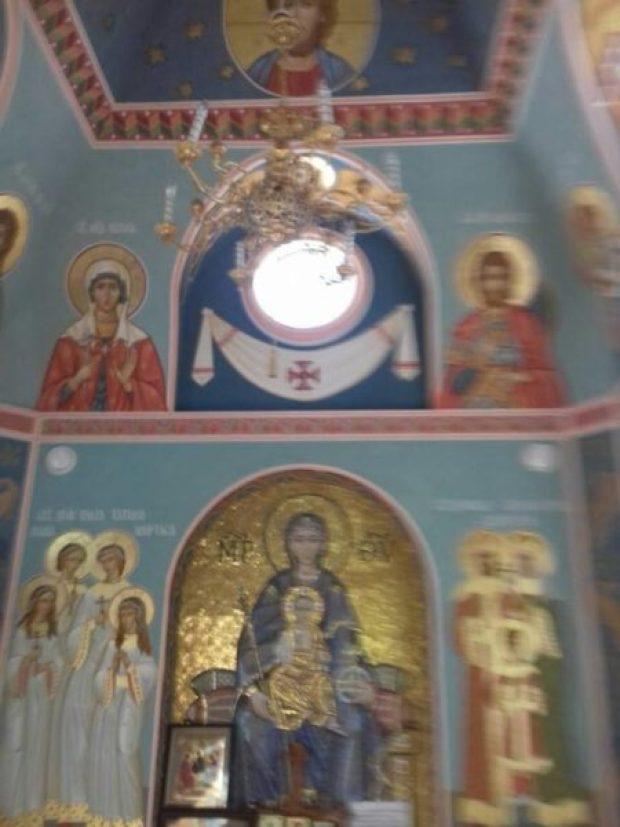 В симферопольской часовне, построенной по инициативе Поклонской, выполнена внутренняя роспись