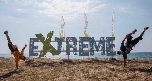 """Инцидент на фестивале """"Extreme Крым 2018"""" - мужчину едва не унесло в море"""
