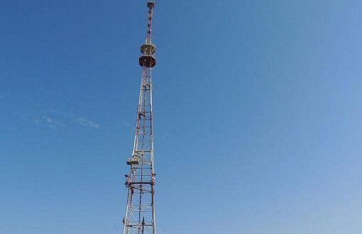 На Украине «патриоты» и чиновники в шоке: телевышек понаставили, а сигнал в Крым не идет