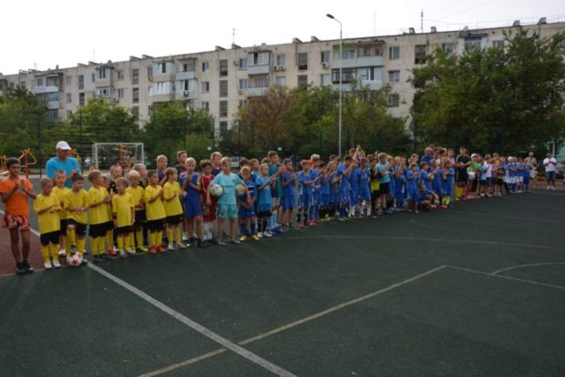 В Евпатории возрождают дворовый футбол. Стартовал открытый турнир