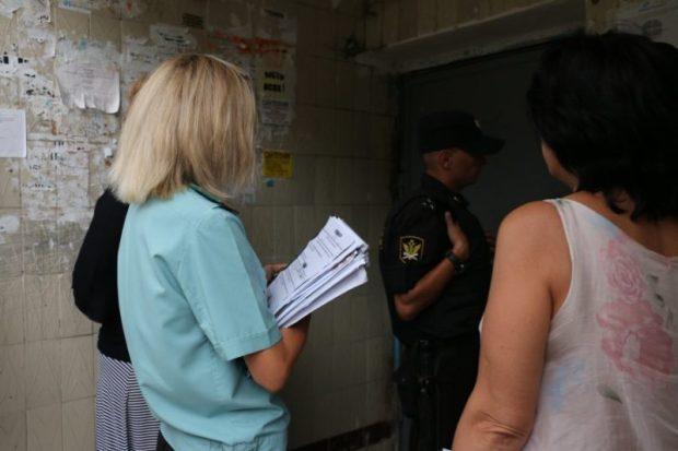 В Балаклавском районе Севастополя прошел рейд по квартирам должников за услуги ЖКХ