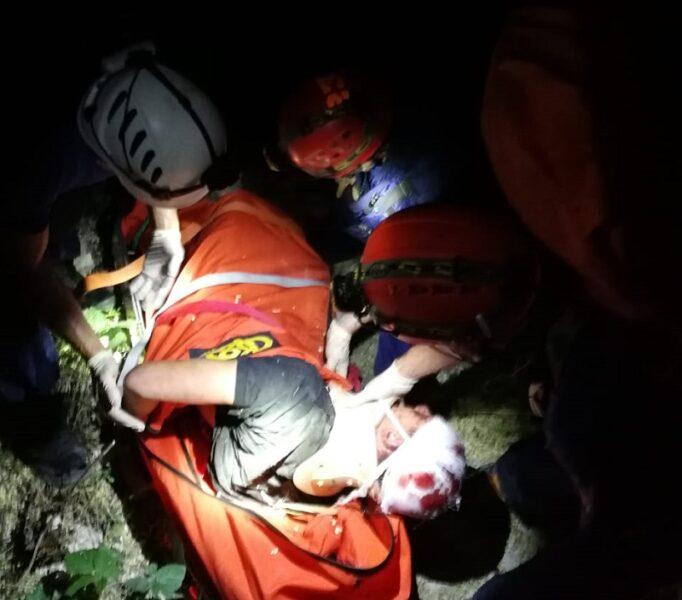 В районе мыса Фиолент сорвались со скалы двое молодых людей