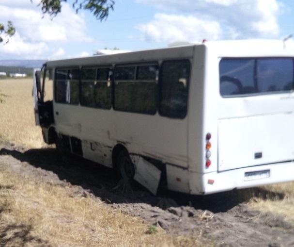 ДТП на Керченской трассе. Столкнулись рейсовый автобус и «Chevrolet Aveo»