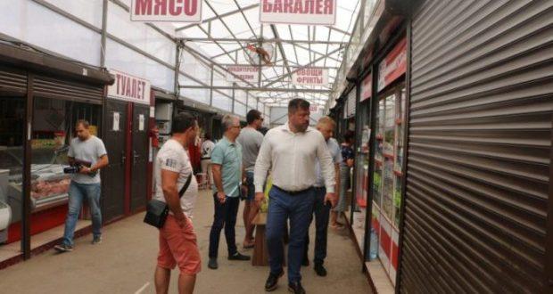 Севастопольские чиновники и общественники пошли по ярмаркам. Мониторить цены