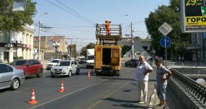 В центре Симферополя стоят троллейбусы