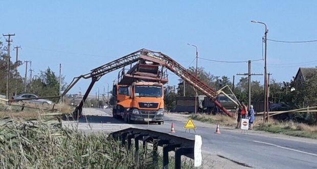 В Крыму грузовик снес газовую трубу