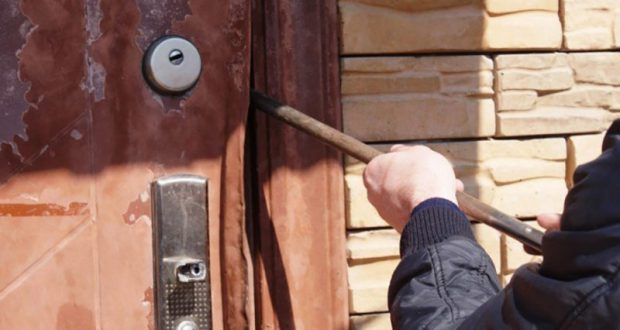 В Севастополе задержали подозреваемого в серии краж из частных домов
