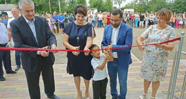 Сергей Аксёнов открыл модульный спортивный зал в Кировском районе