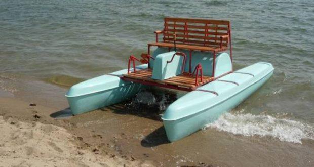 Двух женщин унесло в открытое море на катамаране. Спасатели подоспели вовремя