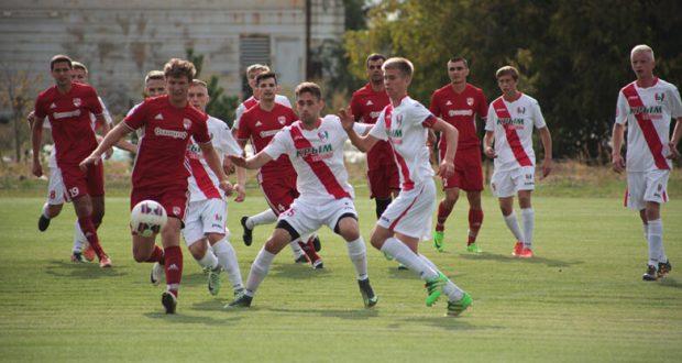 По итогам второго тура Чемпионата Крымского футбольного союза лидер – «Крымтеплица»