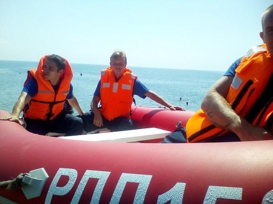 В Крыму спасли троих утопающих