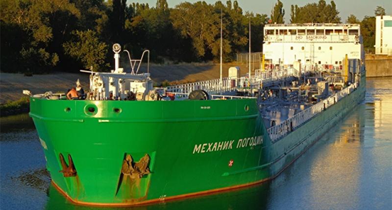 Российский танкер «Механик Погодин» не только не выпускают из Херсона, но и не поясняют, почему