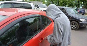 В Симферополе сынуля угнал у отца автомобиль. Оставил без служебной машины больницу