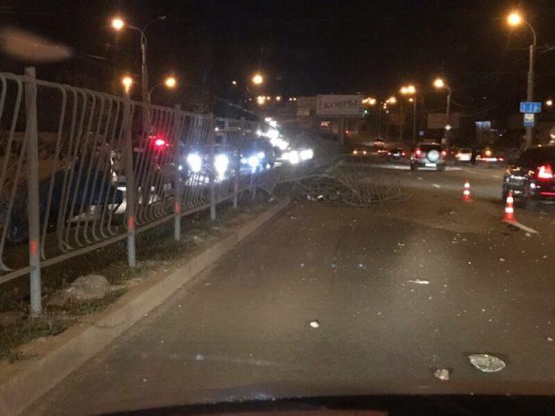 Страшное вечернее ДТП в Симферополе. «Гонщик» - «перевертыш»