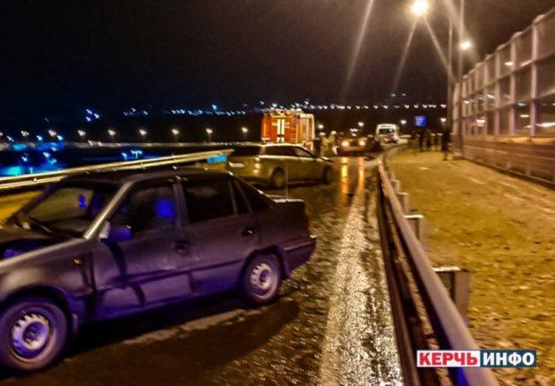 Массовое ДТП в Керчи, на путепроводе по шоссе Героев Сталинграда