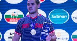 Алуштинец Сослан Хинчагов - победитель юниорского первенства мира по вольной борьбе
