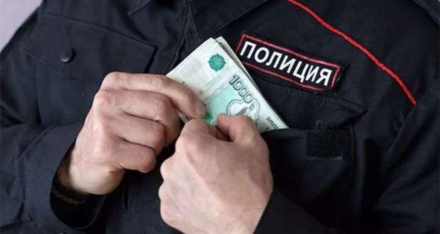 """В Севастополе """"на горячем"""" поймали сотрудников полиции. Взяли """"вознаграждение"""""""