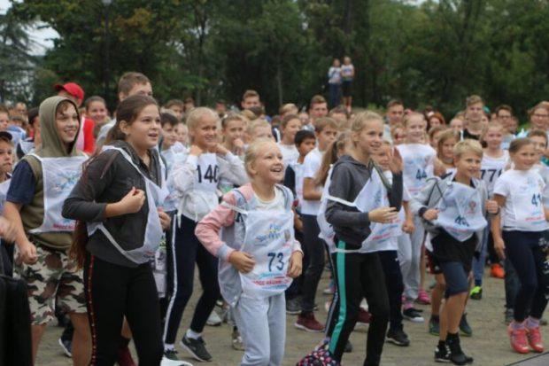 """В акции """"Кросс нации"""" в Севастополе участие приняли более тысячи севастопольцев"""