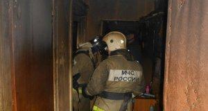На пожаре в Красногвардейском районе Крыма спасен мужчина. Эвакуированы 17 человек