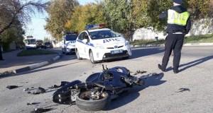 Итог погони в Севастополе: нарушитель-мотоциклист в больнице, разбитый байк - на асфальте