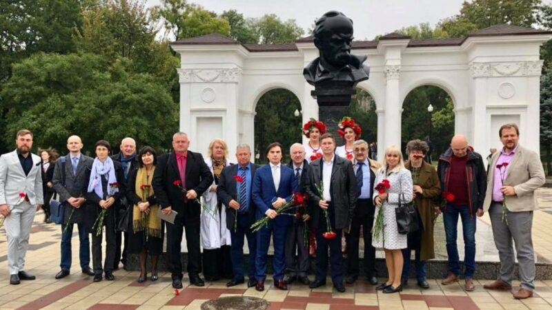 Пора узнать правду. В Крым прибыла делегация украинских диаспор из семи стран мира