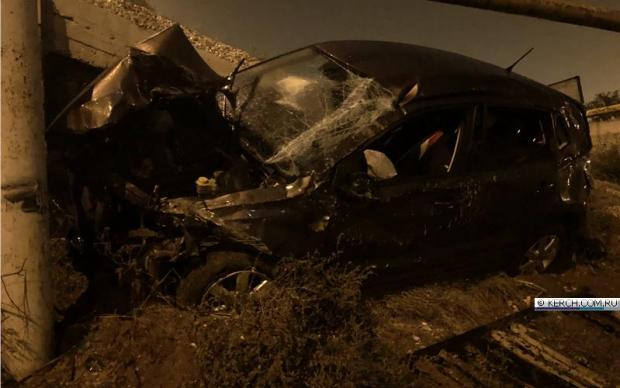 Автомобиль рухнул с керченского моста
