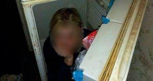 Крымчанка спряталась от судебных приставов в… холодильнике