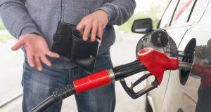 Официально: предпосылок для снижения цены на бензин в России нет. А для повышения?