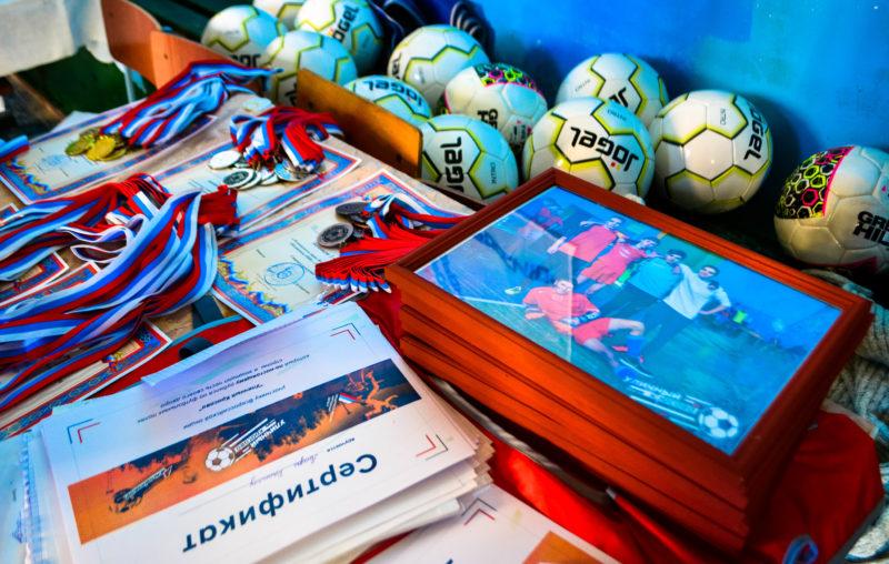 Аткарчане выступили натурнире помини-футболу «Уличный красава»