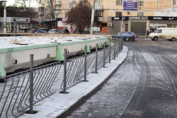 Власти Симферополя рапортуют: ремонт дороги на улице Козлова завершается