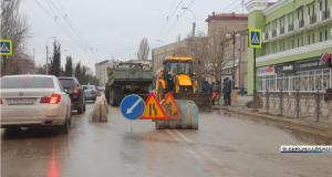 В Керчи прорвало водовод и остановились троллейбусы