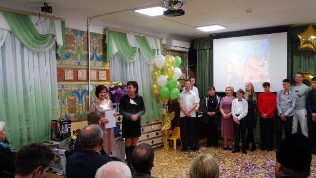 И телевизор в подарок! Нотариальная палата Севастополя поздравила Детский дом с Днём рождения