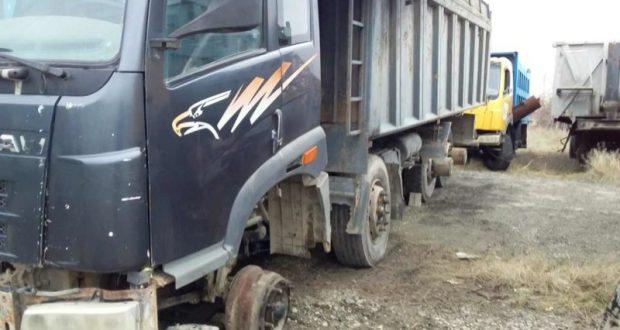 ЧП в Евпатории: грузовик придавил автослесаря