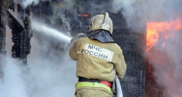 На пожарах в Симферопольском районе пострадала женщина и погиб мужчина
