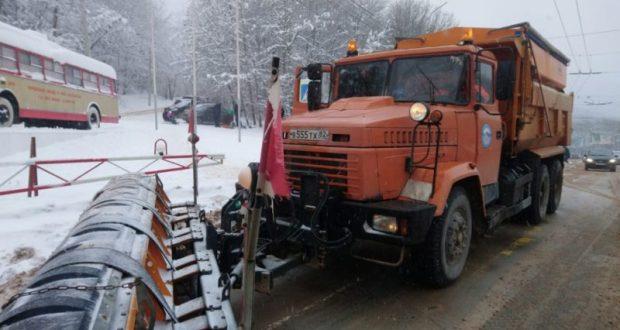 «Крымавтодор» за неделю трижды обработал все дороги в Республике