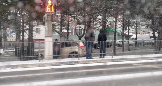 Гололедица в Севастополе. Будьте осторожны за рулем