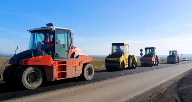 Полным ходом идет ремонт дороги «Владиславовка – Степное» в Кировском районе Крыма