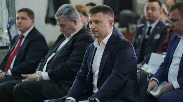 Сергей Аксёнов провёл выездное совещание по проблемным вопросам городского округа Саки