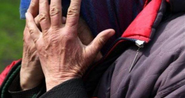 И смех, и грех. В Симферополе задержана 76-летняя бабуля. Украла у парня дорогой телефон