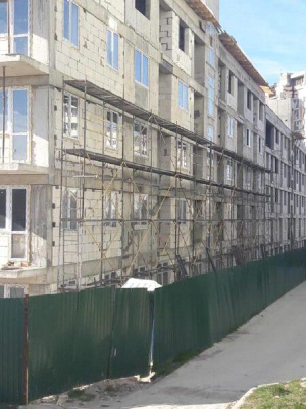 Власти Симферополя обещают сдать в срок «социальный дом» в микрорайоне Залесье