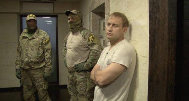 Глава администрации Евпатории Андрей Филонов все-таки задержан и доставлен в наручниках в Симферополь