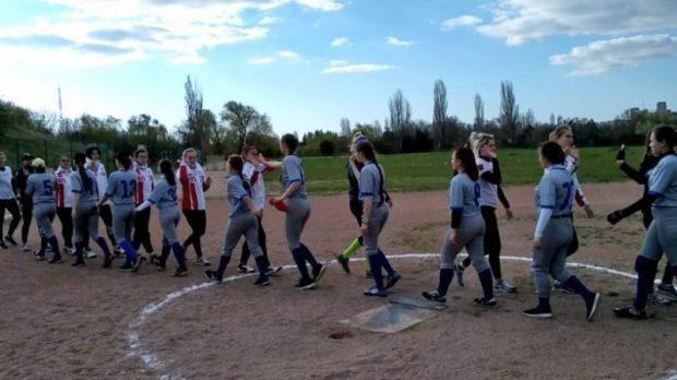 Товарищеский матч между софтбольными сборными Крыма и России состоялся в Симферополе