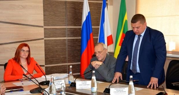В Евпатории смена власти. Врио главы администрации утвержден Роман Тихончук