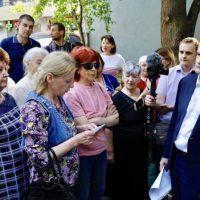 Глава Крыма Сергей Аксёнов в ходе рабочей поездки пообщался с жителями Ялты