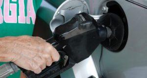 """Цены на топливо в Крыму """"упадут"""" до средних по России в течение трёх лет"""